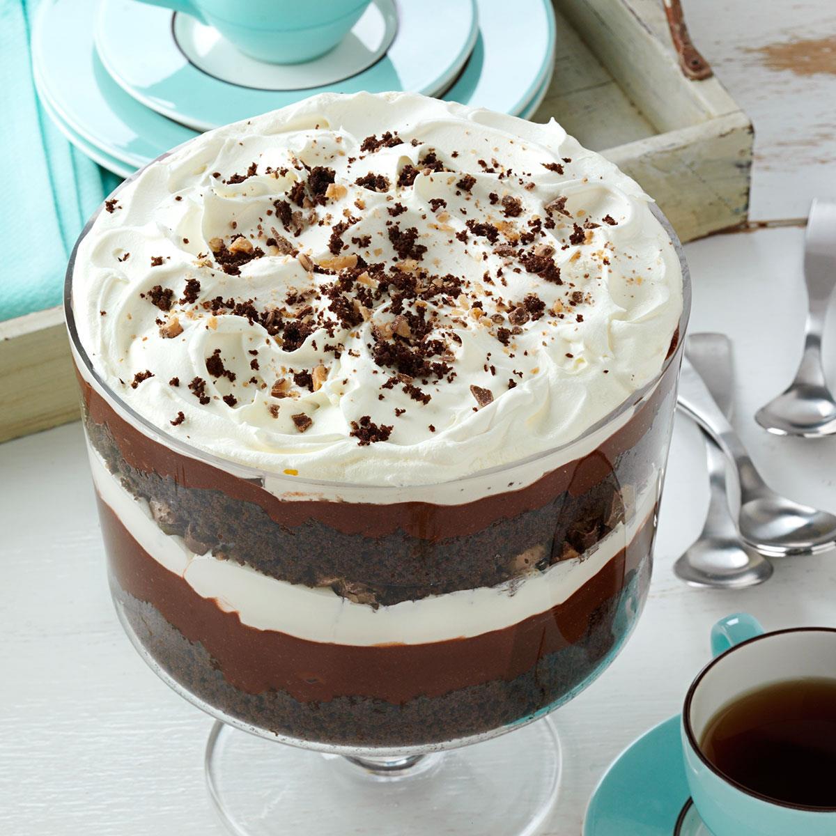 Custard Cream Biscuit Cake Recipe