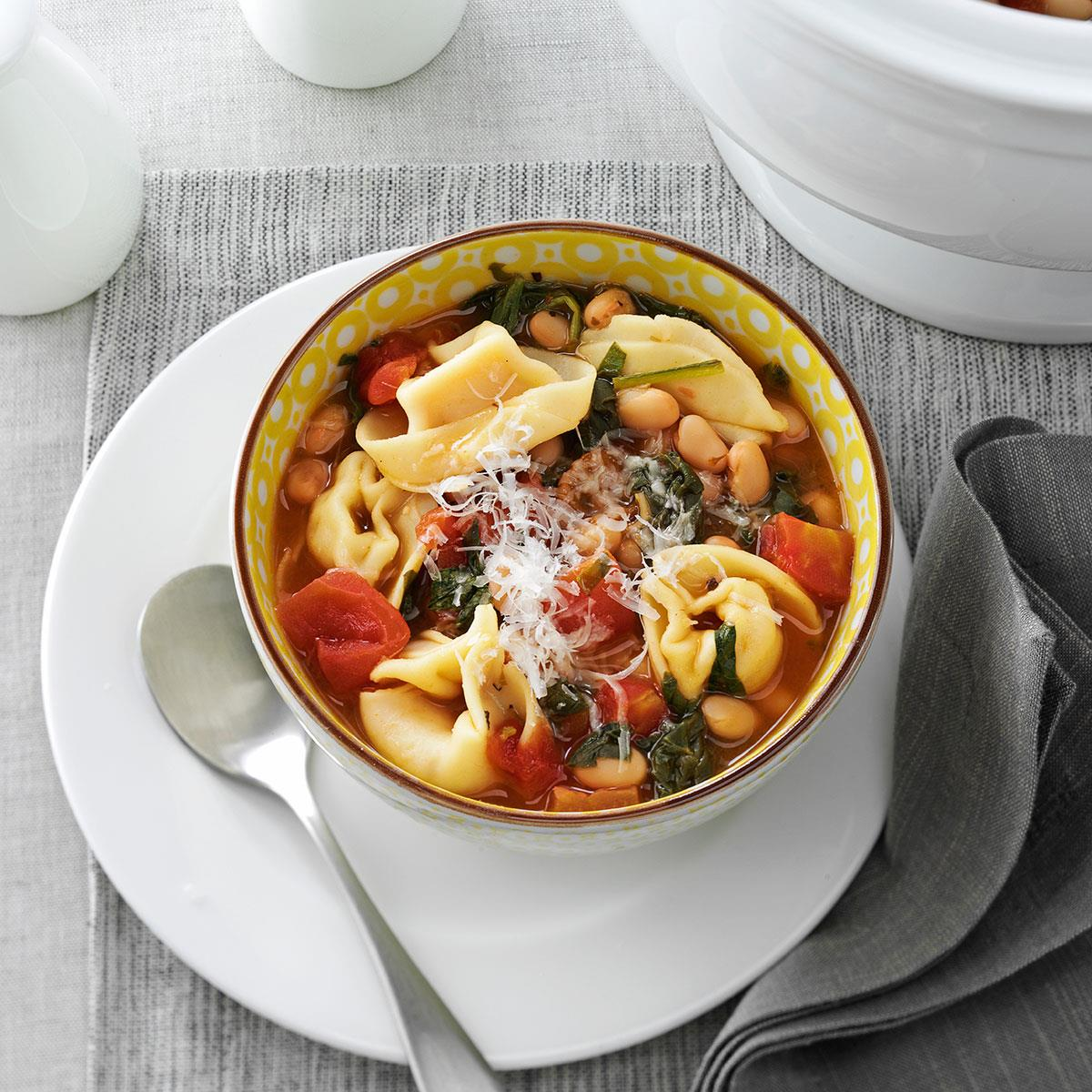 70 Saucy Creamy And Cheesy Italian Christmas Food Recipes: Christmas Tortellini & Spinach Soup Recipe