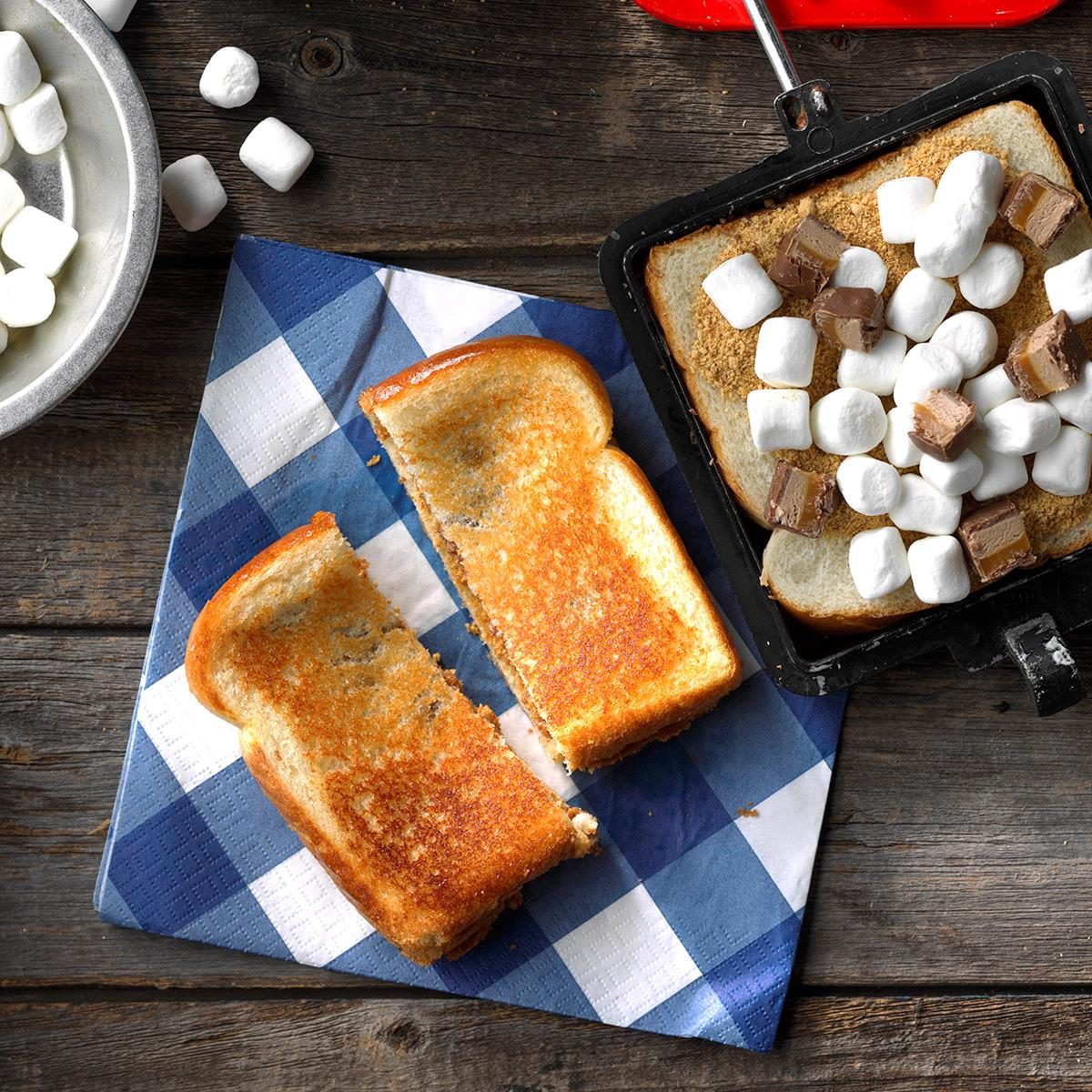 45 Easy Camping Recipes: Milky Way Pudgy Pie Recipe