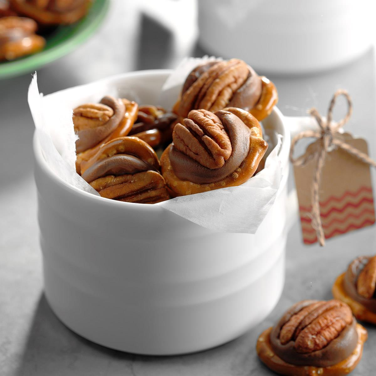 Chocolate Pecan Clusters Dunmore Candy Kitchen: Pecan Caramel Candies Recipe