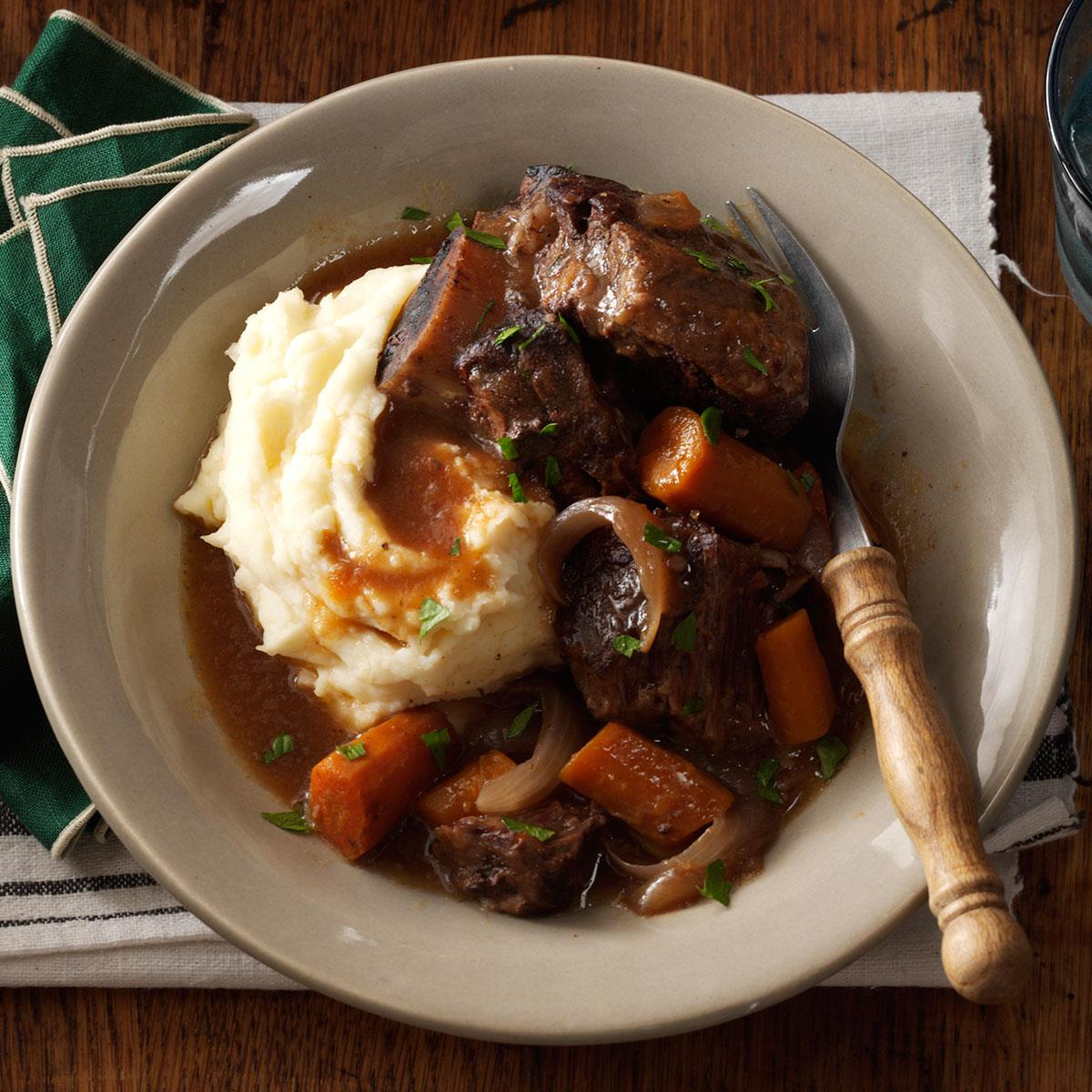 recipe: slow cooker braised short ribs [2]