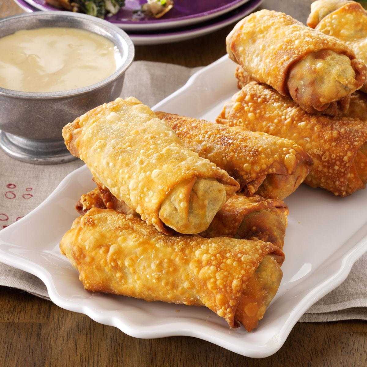 38 Cool Finger Foods For Your Next Party: Southern-Style Egg Rolls Recipe