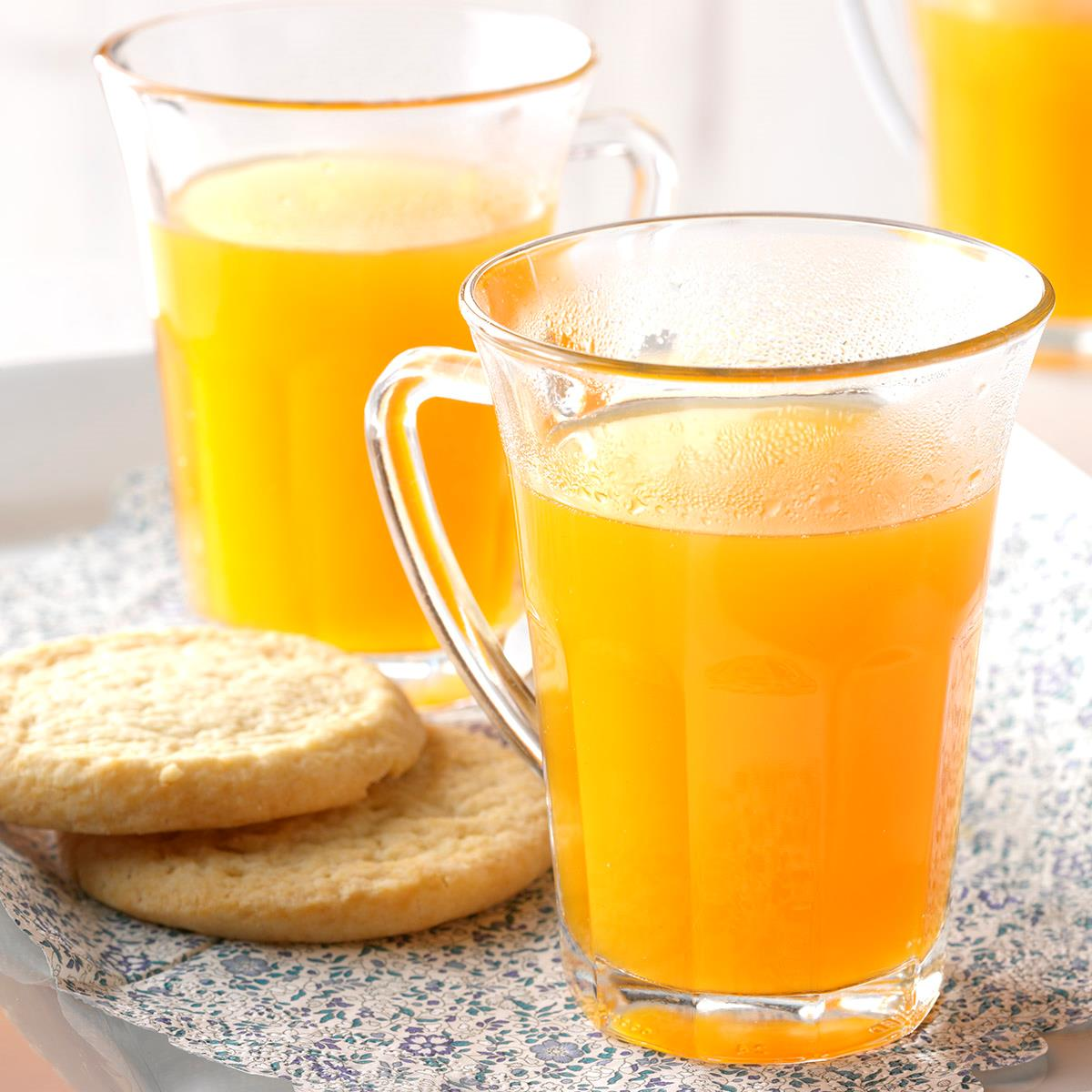 Thanksgiving Punch Recipe: Spiced Apricot Cider Recipe