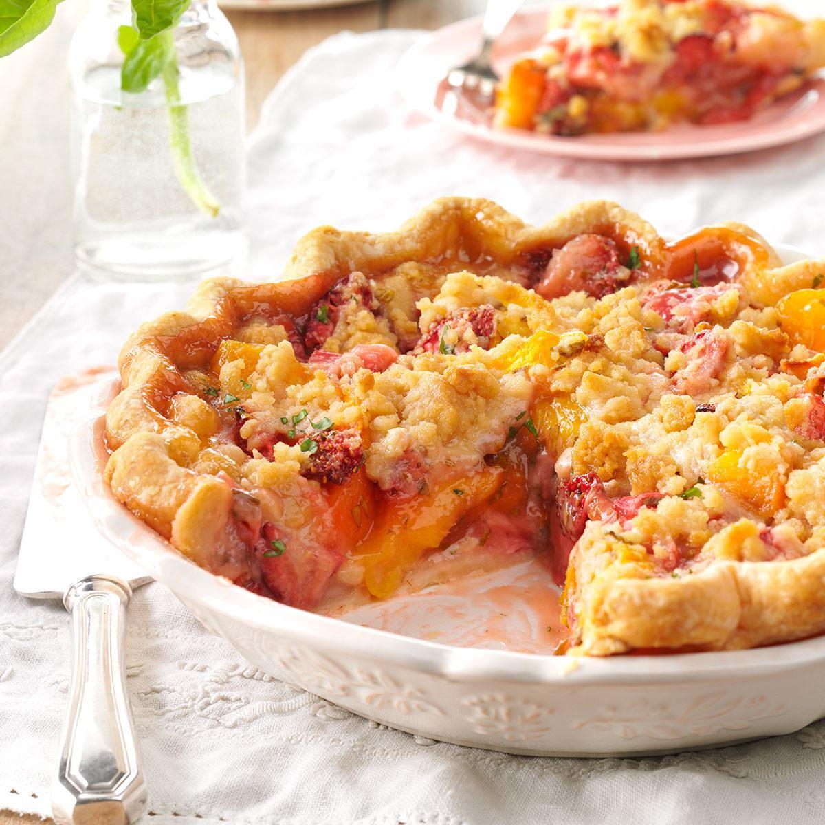 Juicy Peach & Strawberry Crumb Pie Recipe