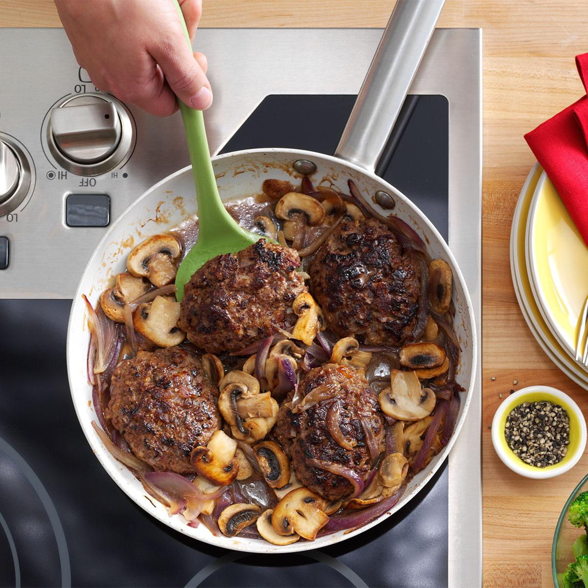 Salisbury steak supreme recipe taste of home forumfinder Image collections