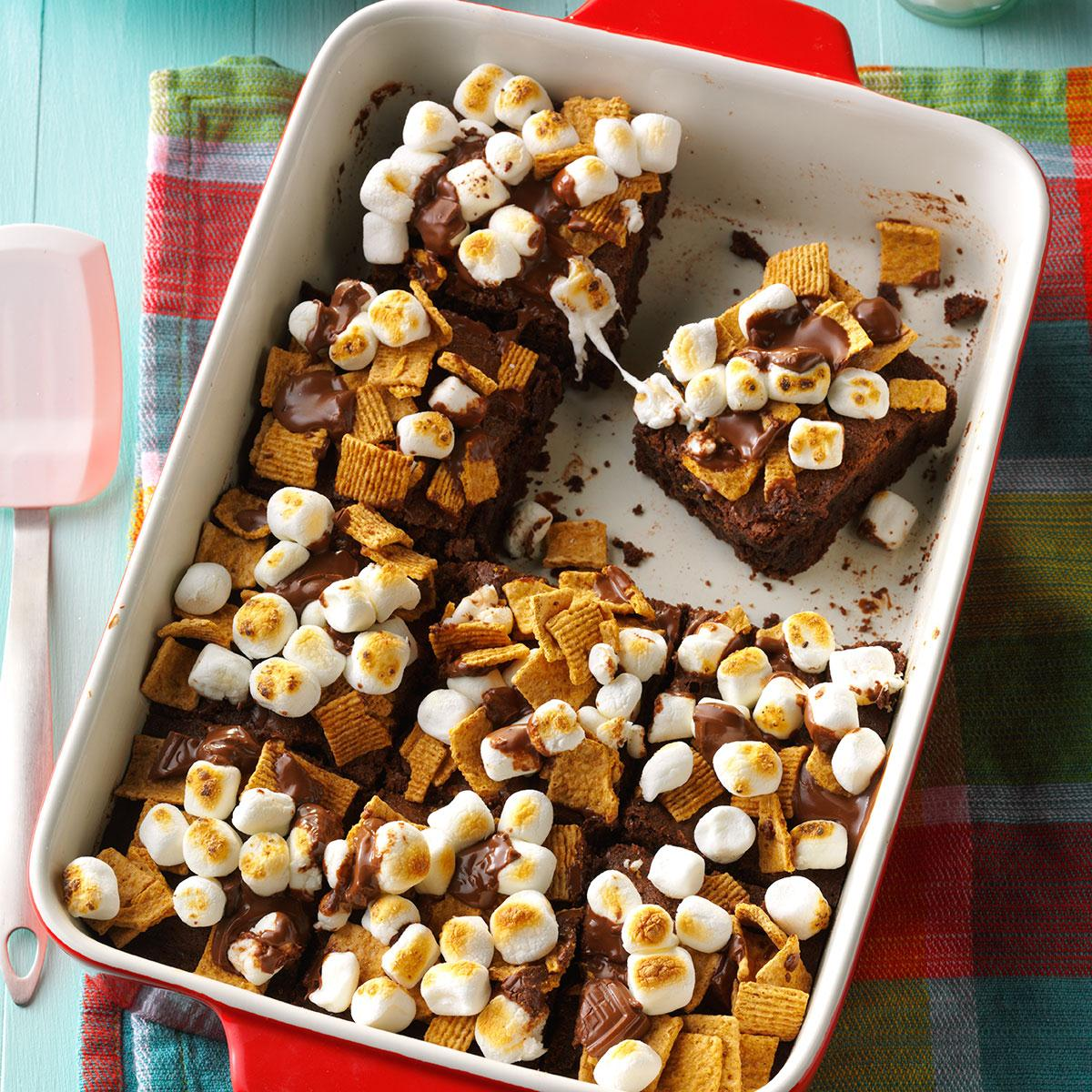 23 Camping Desserts The Ultimate Collection For Campers: Fudgy S'mores Brownies Recipe