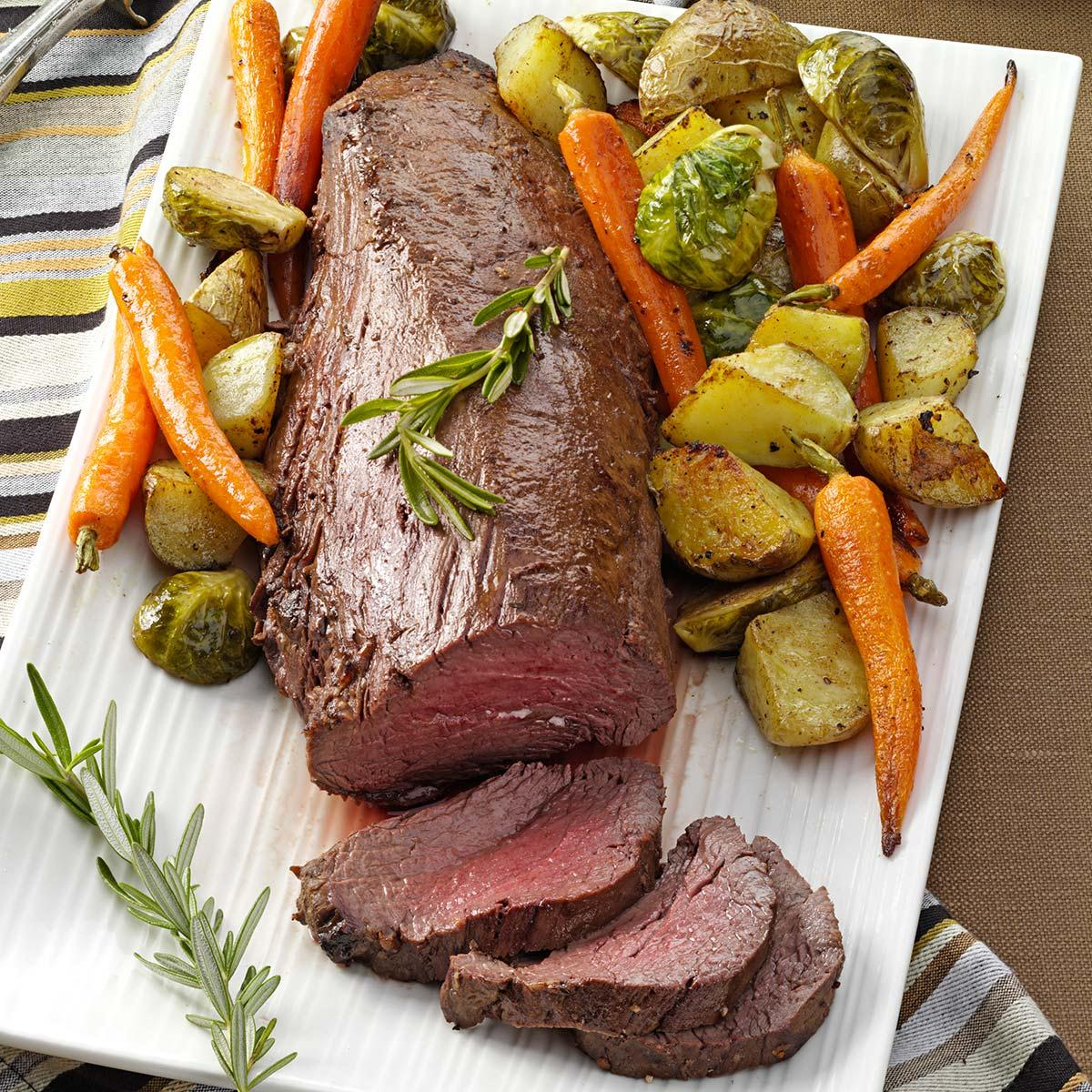 Beef Tenderloin With Roasted Vegetables Recipe Taste Of Home