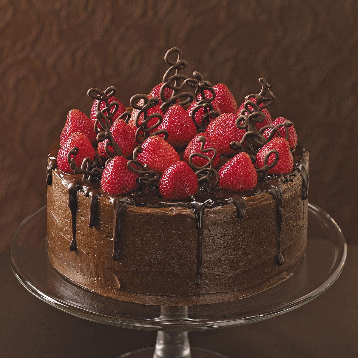 Chocolate Fudge Cake With Strawberries