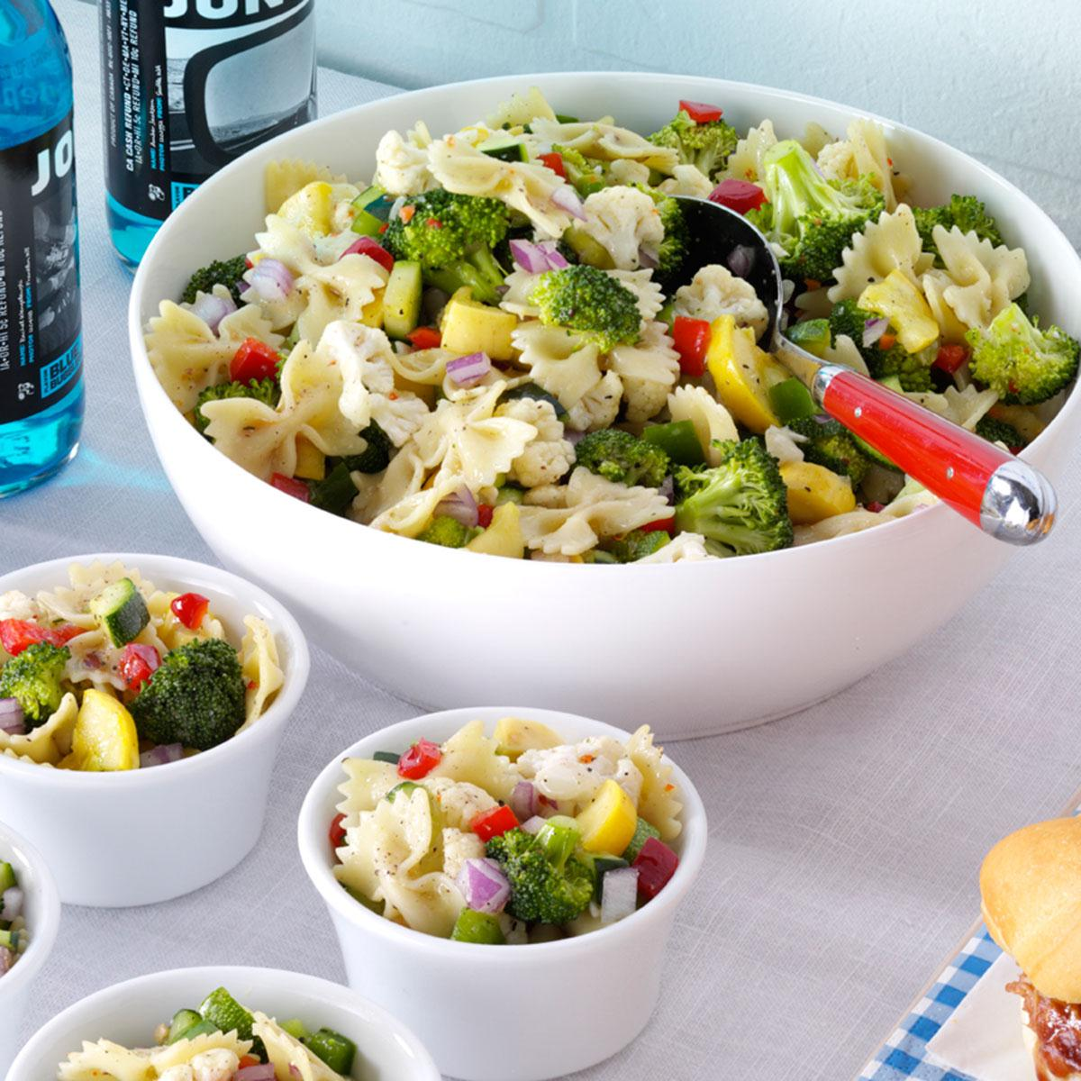 Garden bow tie salad recipe taste of home for Ina garten summer garden pasta