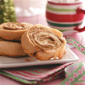 Almond-Pistachio Dessert Roll-Ups Recipe