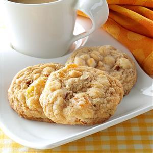 Apricot Almond Blondies Recipe