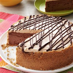 Blissful Peanut Butter-Chocolate Cheesecake Recipe