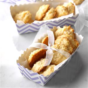 Chewy Coconut Macaroons Recipe
