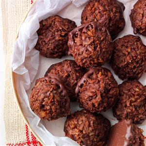 Chocolate Macadamia Macaroons Recipe