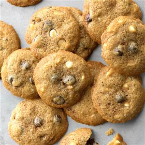 Cinnamon White & Dark Chocolate Chip Cookies Recipe