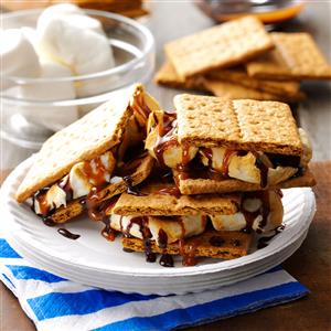 Cookout Caramel S'mores Recipe