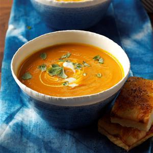 Creamy Carrot & Tomato Soup Recipe