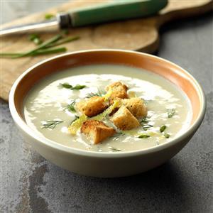 Creamy Cauliflower & Goat Cheese Soup Recipe