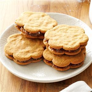 Date-Filled Sandwich Cookies Recipe