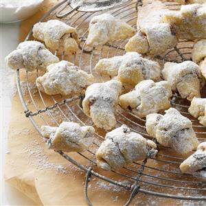 Holiday Kipferl Cookie Recipe