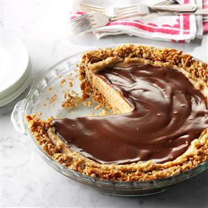Easy Peanut Butter & Pretzel Pie Recipe