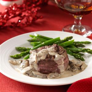 Filets with Mushroom & Brandy Cream Sauce Recipe
