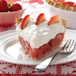 Fresh Strawberries & Amaretto Cream Pie Recipe