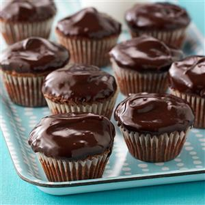 Frosted Walnut Brownie Cups Recipe