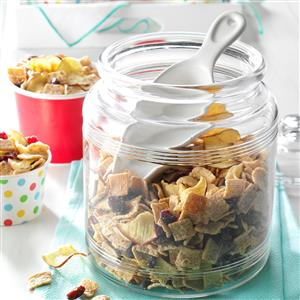 Fruit & Cereal Snack Mix Recipe
