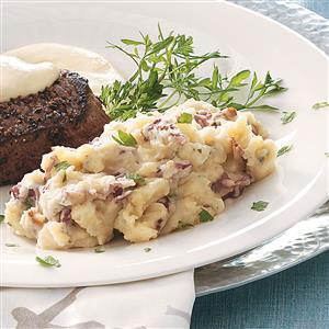 Garlic, Bacon & Stilton Mashed Potatoes Recipe
