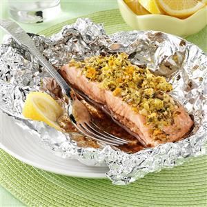 Garlic-Ginger Salmon Packets Recipe