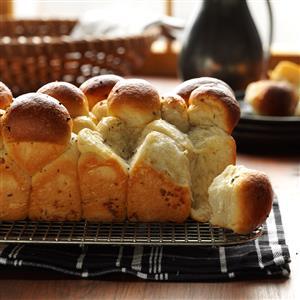 Garlic Herb Bubble Loaf Recipe
