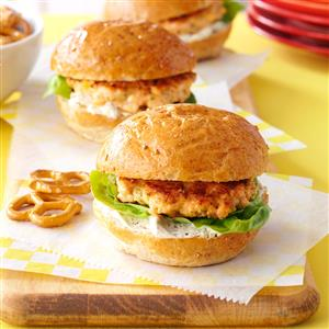 Garlic-Herb Salmon Sliders Recipe