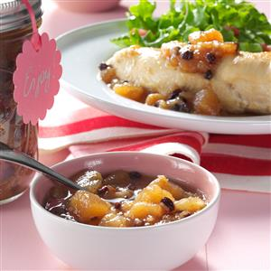 Gingered Pear & Currant Chutney Recipe