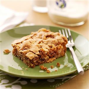 Golden Apple Snack Cake Recipe