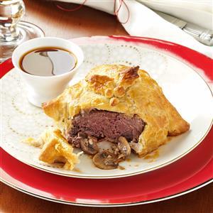 Gorgonzola Beef Wellingtons Recipe