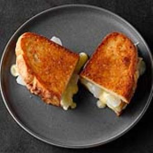 Grilled Cheese and Pickled Onion Sandwich Recipe