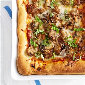 Homemade Chicago Deep-Dish Pizza Recipe