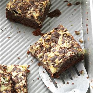 Minty Chocolate Cream Cheese Bars Recipe