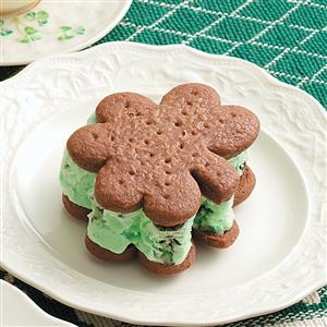 Minty Ice Cream Shamrocks