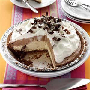 Mocha Java Pie with Kahlua Cream