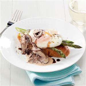 Mushroom & Asparagus Eggs Benedict Recipe