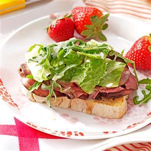 Open-Faced Roast Beef Sandwiches Recipe