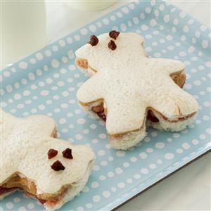 Peanut Butter and Banana Teddy Bear Sandwiches Recipe