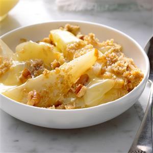 Pear-Pecan Crisp with Lemon Sauce Recipe