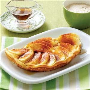 Puffy Cinnamon-Apple Omelet Recipe