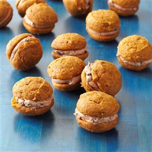 Pumpkin-Chocolate Whoopie Cookies Recipe