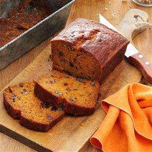 Raisin-Filled Pumpkin Spice Bread Recipe