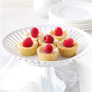 Raspberry Sugar Cream Tarts Recipe