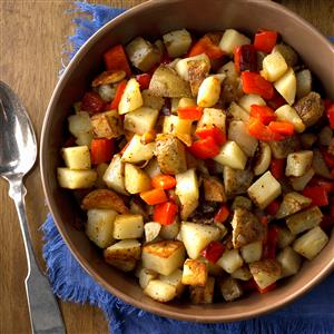 Skillet Potatoes with Red Pepper and Whole Garlic Cloves Recipe